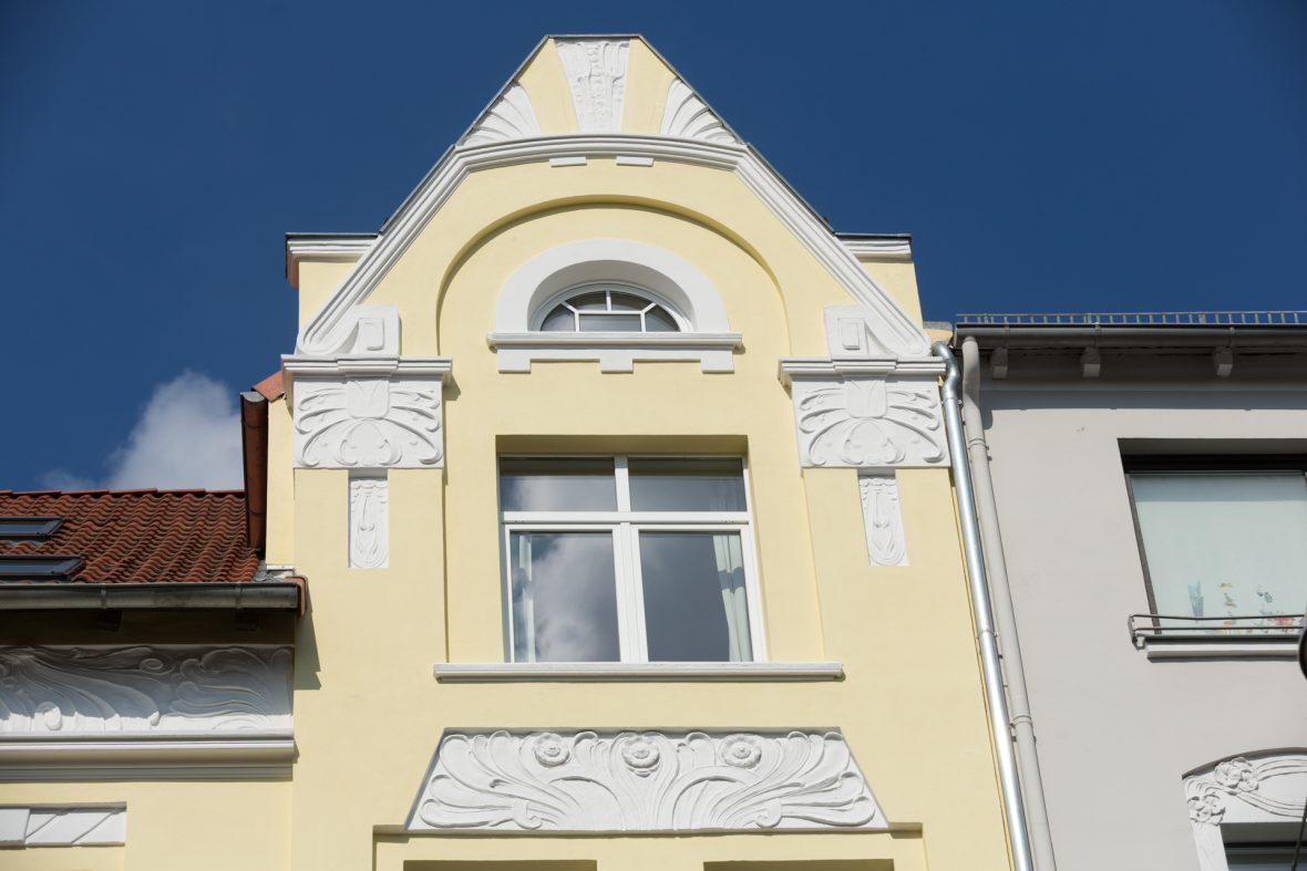 Alte Fassade sanieren Stilfassade Altbausanierung Hannover Keim Farben