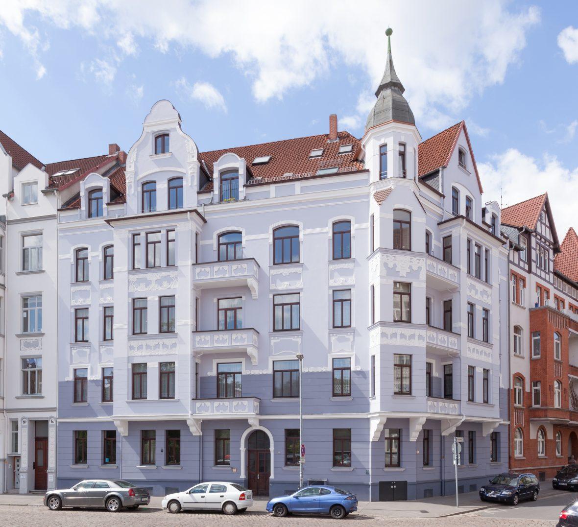 Fassade streichen Fliederton Altbau Hannover Wedemark Burgwedel