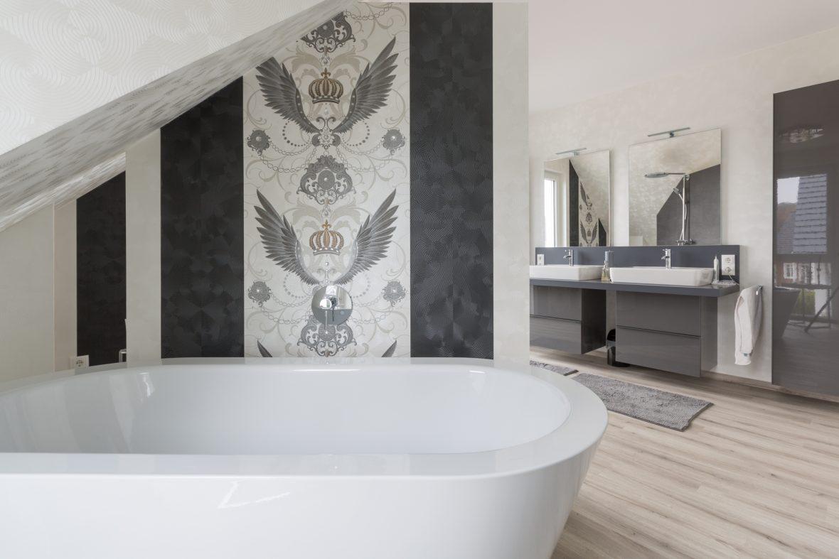 Gloeoeckler Tapeten Malerarbeiten Hannover Badezimmer