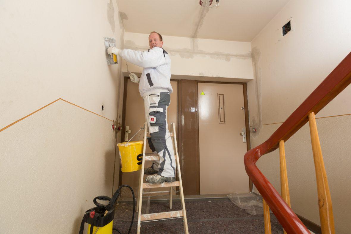 Treppenhaus sanieren renovieren streichen hannover Wedemark Burgwedel