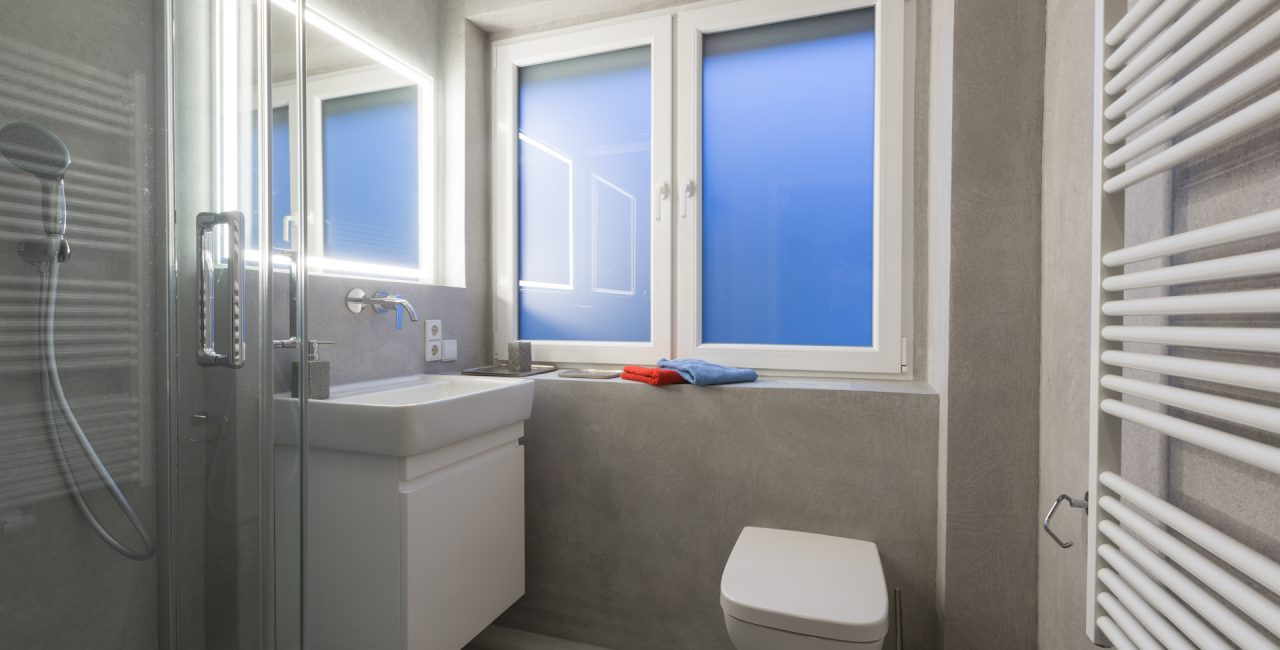 Badezimmer fugenlos Waende in grau Betonoptik Hannover