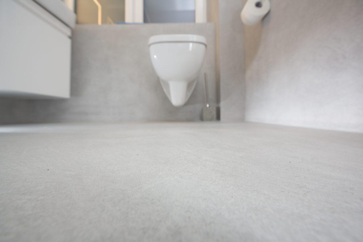 Frescolori fugenloser Boden im Badezimmer Hannover