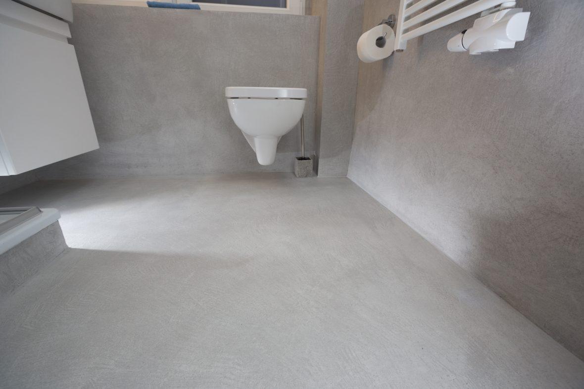 Fugenloser Boden im Badezimmer mit Frescolori Hannover