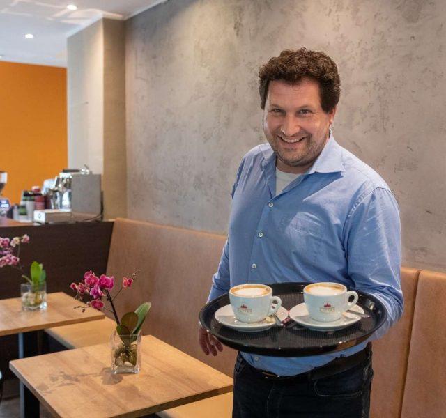 Tobias Volland Café Goldstueck Hannover - Gluecklicher HEYSE Kunde